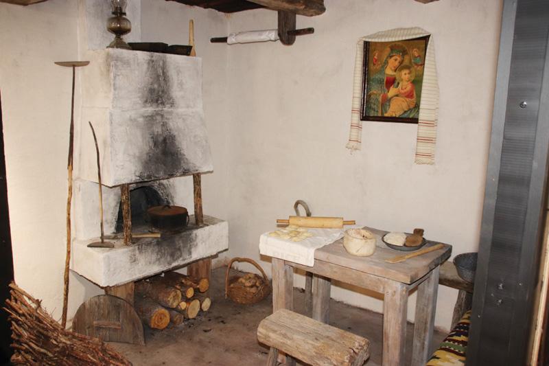 Museum exhibit honours Ukrainian settlers